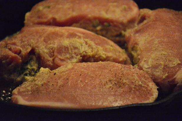Seaing pork chops