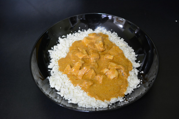 Curry Chicken with Riced Caulfilower