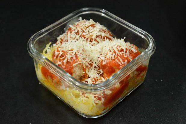 Spaghetti Squash with Meatballs