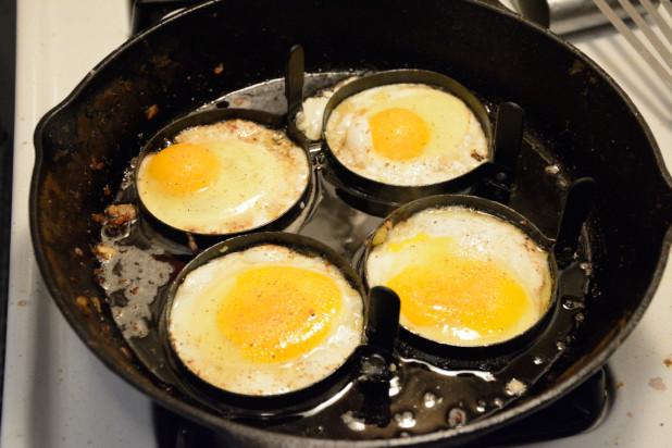 Frying Eggs