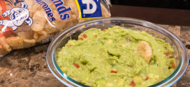 Guacamole with Pork Rinds